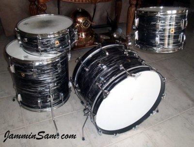 Photo of Doug Goethel's Ludwig drums with 60's Black Oyster Pearl drum wrap (2)