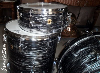 Photo of Doug Goethel's Ludwig drums with 60's Black Oyster Pearl drum wrap (3)