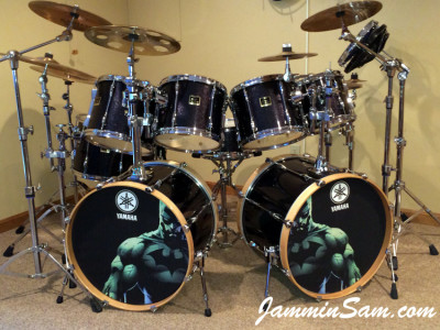 Photo of Doug Westrich's Yamaha drums with JS Sparkle Gold drum wrap (31)