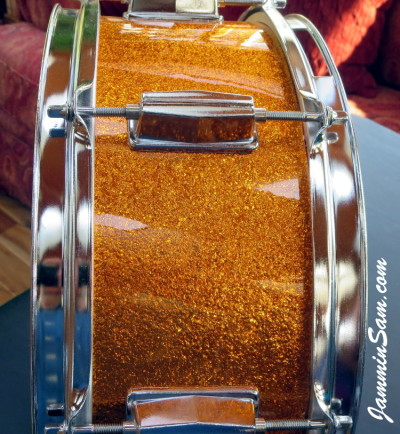 Photo of Lynn Easton's DrumClock with JS Sparkle Gold drum wrap (5)