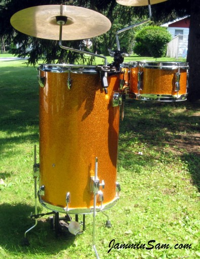 Photo of Pete Vumbaco' drumset with JS Sparkle Gold drum wrap (11)