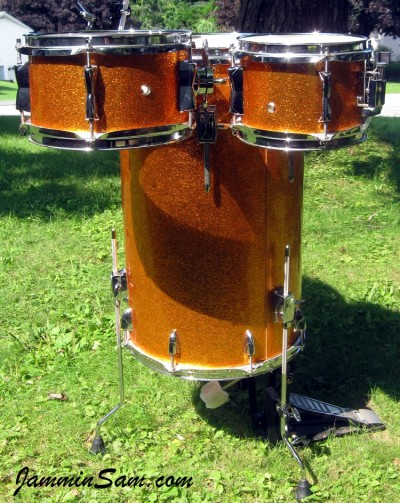 Photo of Pete Vumbaco' drumset with JS Sparkle Gold drum wrap (12)