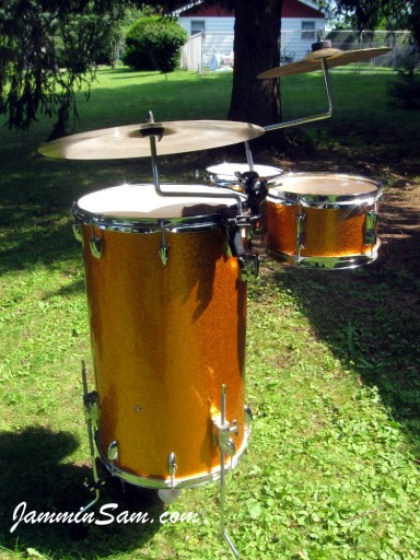 Photo of Pete Vumbaco' drumset with JS Sparkle Gold drum wrap (13)