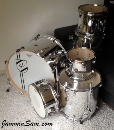 Photo of Simon Lilja's drums with JS Mirror Chrome drum wrap