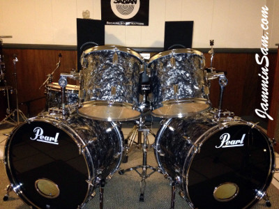 Photo of Blane Taylor's Pearl World series drums with 80's Black Diamond Pearl drum wrap (85)