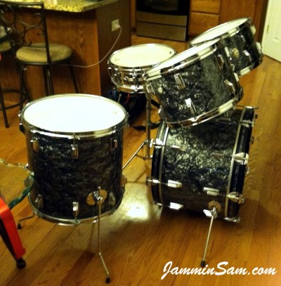 Photo of Chris Casarcia's Rogers drum with 80's Black Diamond Pearl drum wrap (2)