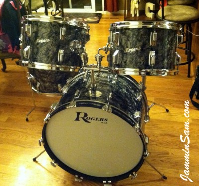Photo of Chris Casarcia's Rogers drum with 80's Black Diamond Pearl drum wrap (1)