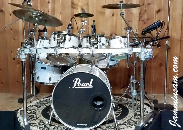 Vintage White Pearl (Original) On Drums