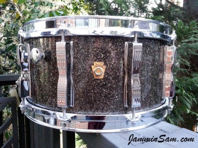 Photo of Wayne Glass's Ludwig snare with  Rootbeer Glass Glitter drum wrap (4)
