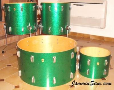 Photo of Luigi Iurillo's drums with Vintage Sparkle Green drum wrap (2)