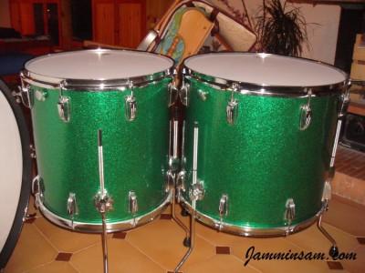 Photo of Luigi Iurillo's drums with Vintage Sparkle Green drum wrap (7)