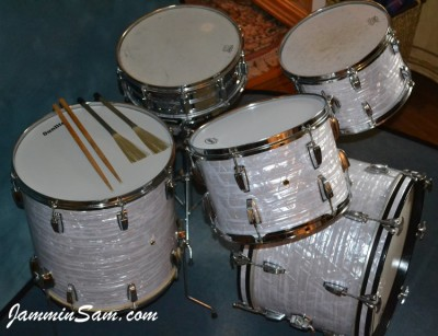 Photo of John Kreimer's drums with Vintage Marine Pearl drum wrap (1)