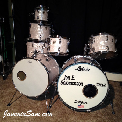 Photo of Jon Solomonson's Ludwig Classic drums with Vintage Marine Pearl (3)