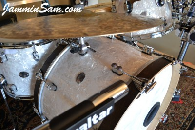 Photo of Spider Ryan's DW drums with Vintage White Pearl drum wrap (5)